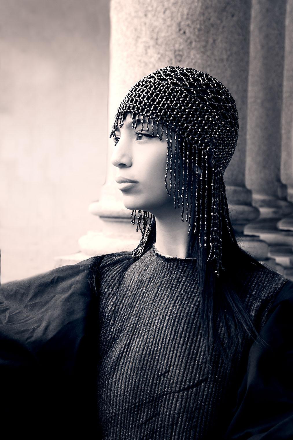 La Portrait Photographer 30s style girl jewelry headshot