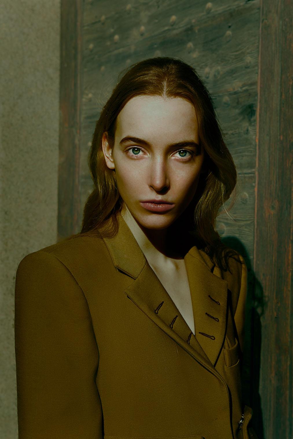 dark fashion portrait of woman in Italy
