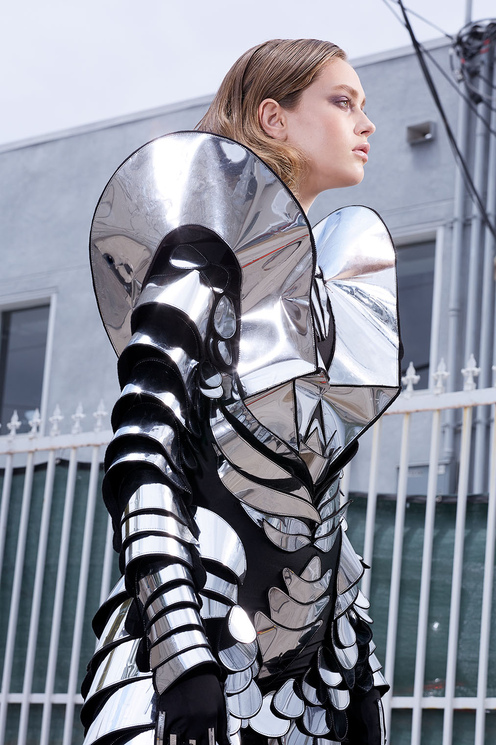 fashion armor woman in Science Fiction Fashion Story - campaign